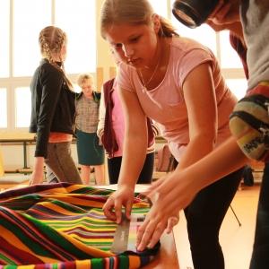 Dokumentacja tkanin regionalnych w Szkole w Rzeczycy